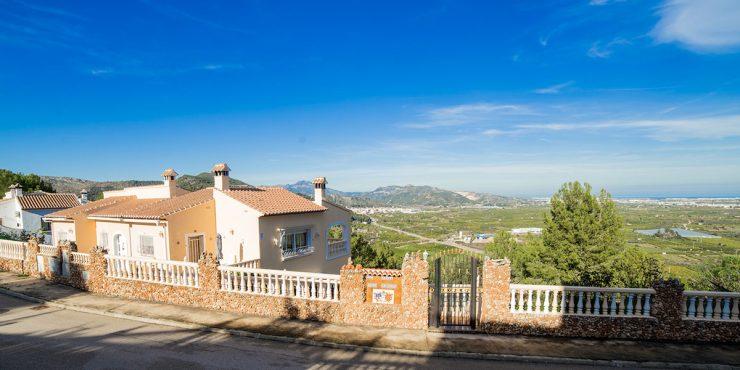 Dom w Hiszpanii z widokami zapierającymi dech